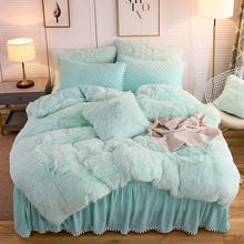 Load image into Gallery viewer, The Softy Cool Mint Bed Set - Tapestry Girls