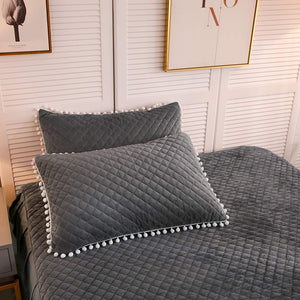 The Softy Dark Gray Bed Set - Tapestry Girls