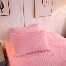 Load image into Gallery viewer, Softy Pink Bed Set - Tapestry Girls