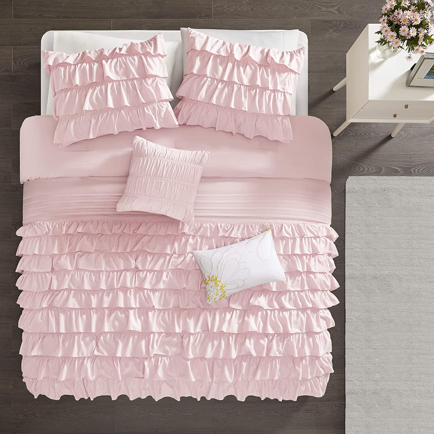 Picture of: Ruffled Bed Set Tapestry Girls