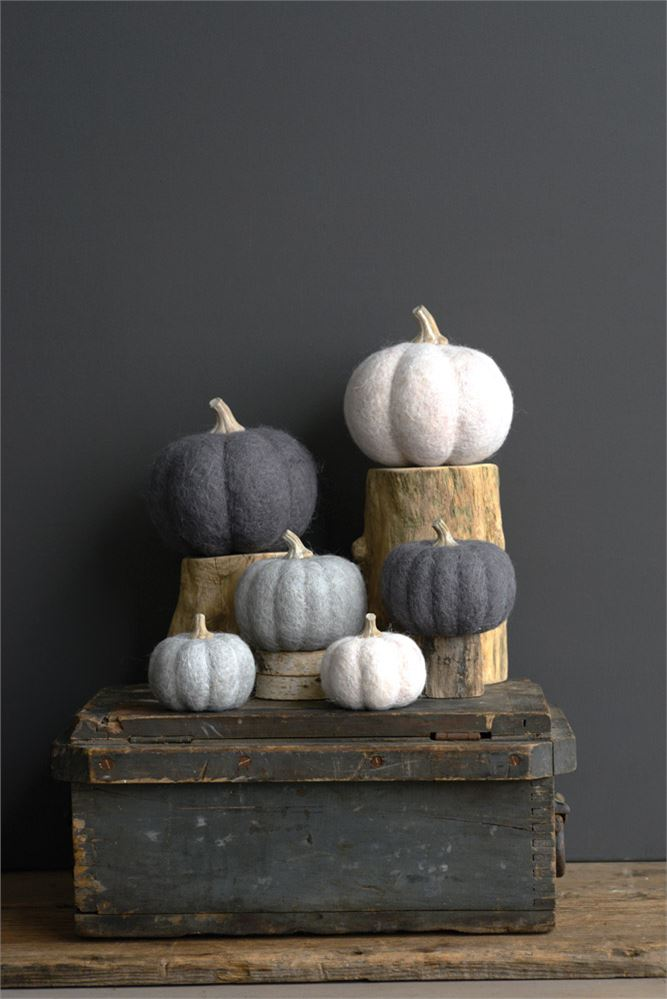 Wool Felt Pumpkin (Medium), 2 Colors