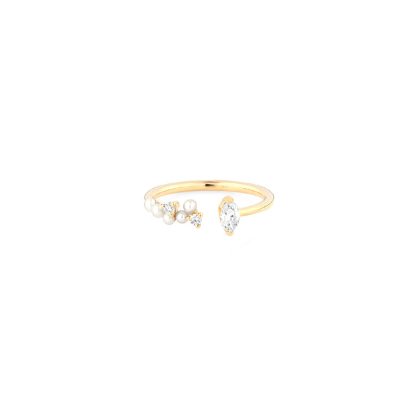 Mystique ring collection with natural pearls and diamonds in yellow gold