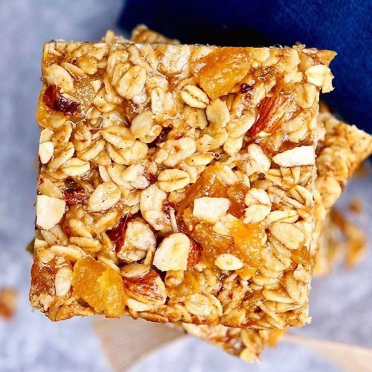 Apricot-Almond Breakfast Bars