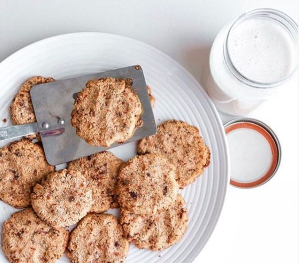 Almond Pulp Coconut Cookies