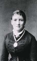 An old black and white photography of Fanny Hesse.