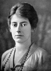An old black and white photograph of Elsie Maud Wakefield.