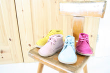 Load image into Gallery viewer, WHOLESALE PETIT PUK KIDS SHOES