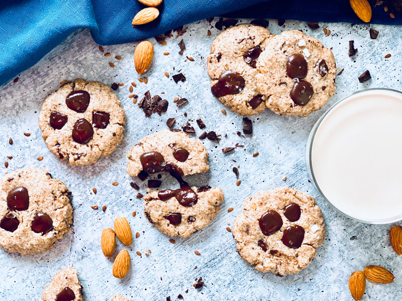 10 Minute Flourless Chocolate Chip Cookies