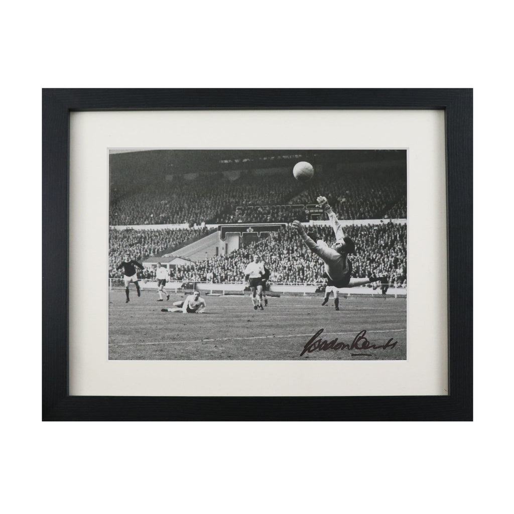 Gordon Banks England Save Signed Photo