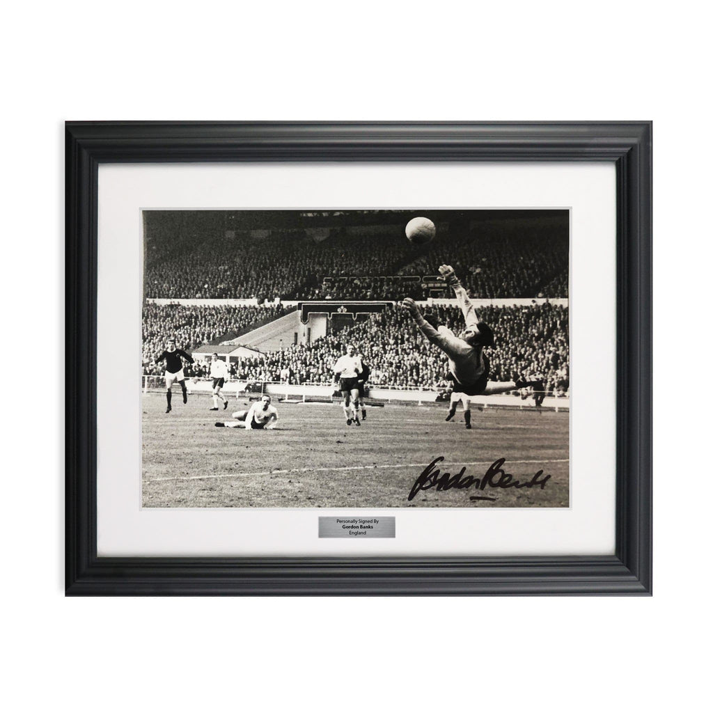Vintage Sports Framed Gordon Banks Signed Photo - England Save