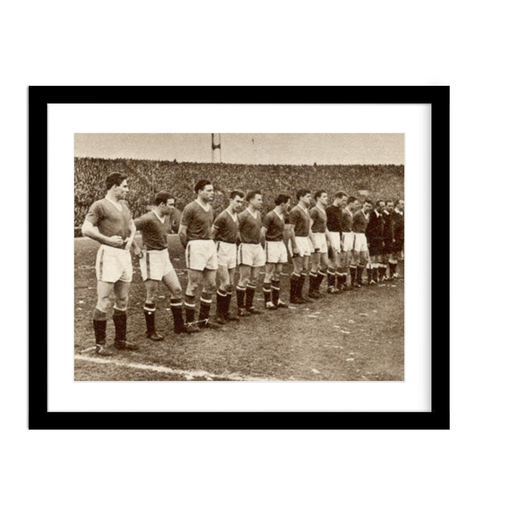 Vintage Manchester United Prepares for Match photo