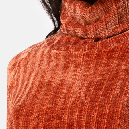 Evie Cropped Sweater in Rust Chenille by Motel