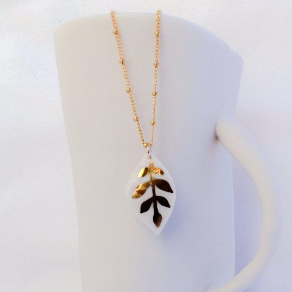 medium gold painted porcelain leaf necklace