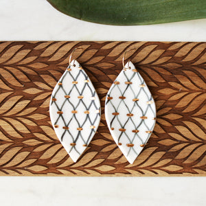 wavy lines earrings