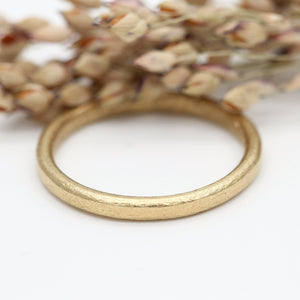 Oval court style wedding ring 18ct yellow gold by Tamara Gomez