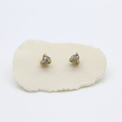 Rough diamond earrings in yellow gold