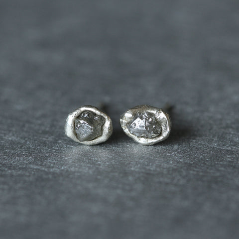 Rough diamond stud earrings in white gold