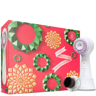 Image: Clarisonic Mia Smart Fresh + Flawless Make-Up Holiday Gift Set
