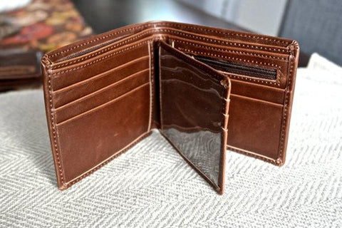 Mens Engravable Leather Wallet - Looker Gifts