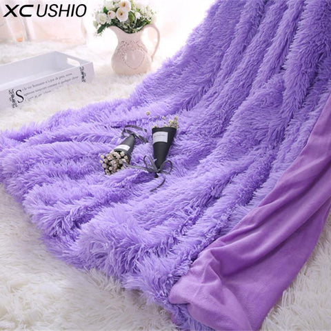 Super Soft Fuzzy Throw Blanket - Looker Gifts