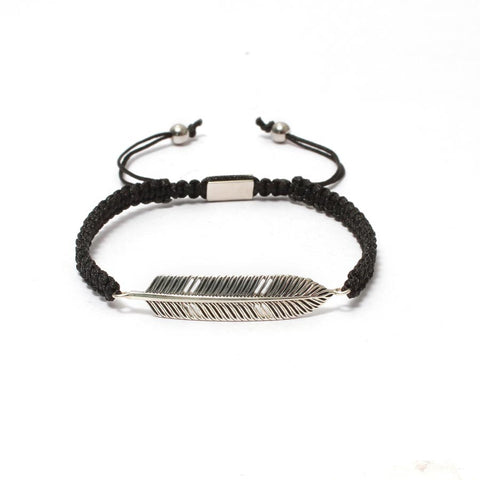 The Free Spirit Feather Bracelet in Macrame Drawstring