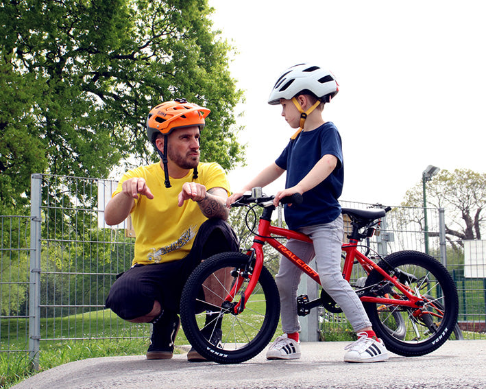 LEM Helmets and Grant 'Chopper' Fielder's Superschools join forces to help kids learn about cycling safety
