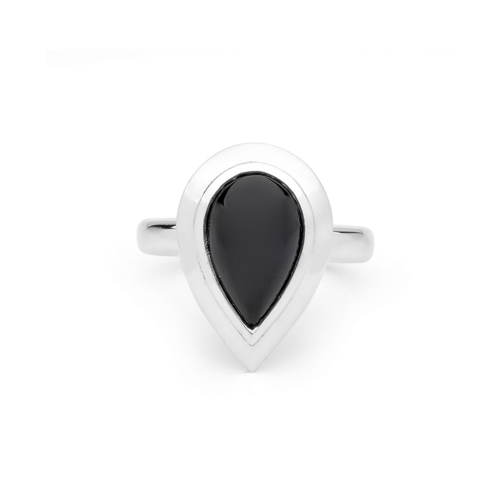 Portrait Adorn Black Pear Spinel Ring