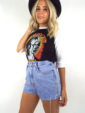 Load image into Gallery viewer, Vintage 90s Light Wash High-Waist Cut-Off Shorts -- Size 27
