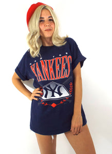 Vintage 90s Navy Blue Oversized New York Yankees Tee