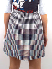 Load image into Gallery viewer, Vintage 90s High-Waist A-Line Gingham Print Skirt -- Size Medium