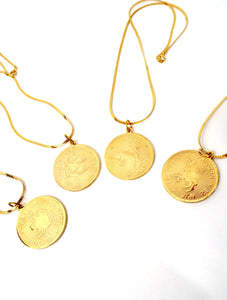 Vintage 70s Faux Gold Zodiac Sign Pendant Necklace