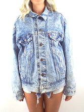 Load image into Gallery viewer, Vintage 90s Oversized Acid Wash Levi's Denim Jacket