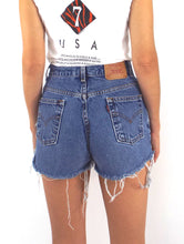 Load image into Gallery viewer, Vintage 90s Distressed High-Waist Levi's Cut-Off Shorts -- Size 28