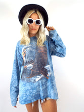 Load image into Gallery viewer, Vintage 90s Blue Long Sleeve Tie Dye Eagle Tee
