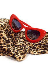 Load image into Gallery viewer, Bianca Thick Cat Eye Sunglasses Red