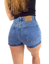 Load image into Gallery viewer, Vintage 90s High-Waist Medium Wash Gap Denim Shorts -- Size 27