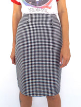 Load image into Gallery viewer, Vintage 90s High-Waist Black and White Gingham Print Pencil Skirt-- Size 26