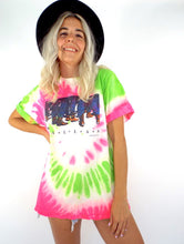Load image into Gallery viewer,  Vintage 80s Neon Pink and Green Tie Dye Dallas, Texas Tee