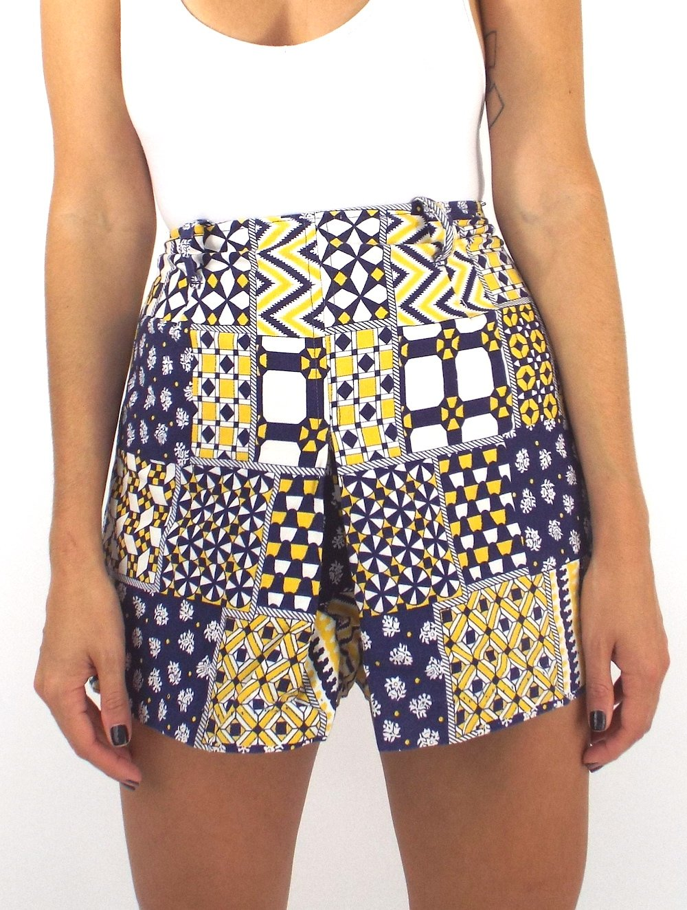 Vintage 70s High-Waisted Blue and Yellow Patchwork Print Shorts -- Size 25