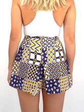 Load image into Gallery viewer, Vintage 70s High-Waisted Blue and Yellow Patchwork Print Shorts -- Size 25