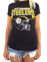 Load image into Gallery viewer, Vintage 80s Pittsburgh Steelers Helmet Tee Size Small