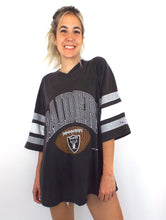 Load image into Gallery viewer, Vintage 90s Oversized Raiders Striped Sleeve Tee