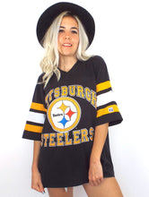 Load image into Gallery viewer, Vintage 90s Oversized Pittsburgh Steelers Striped Sleeve Tee