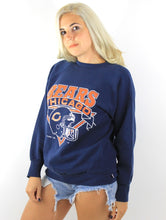 Load image into Gallery viewer, Vintage 80s Navy Blue Helmet Design Chicago Bears Sweatshirt