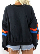 Load image into Gallery viewer, Vintage 80s Chicago Bears Pixelated Video Game Design Sweatshirt Medium