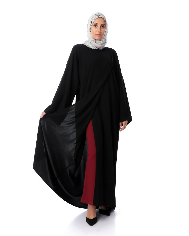 Croise Abaya with snap fasteners