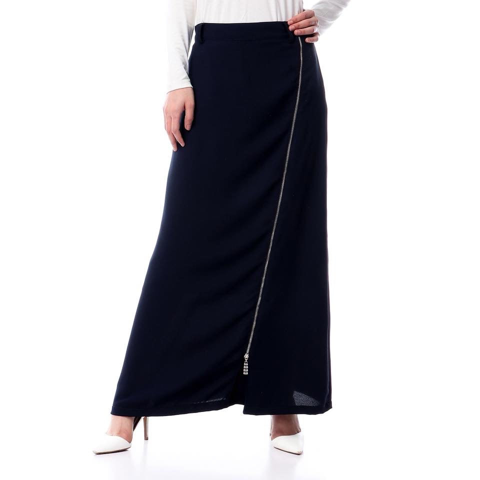 Crepe Skirt with Long front zipper