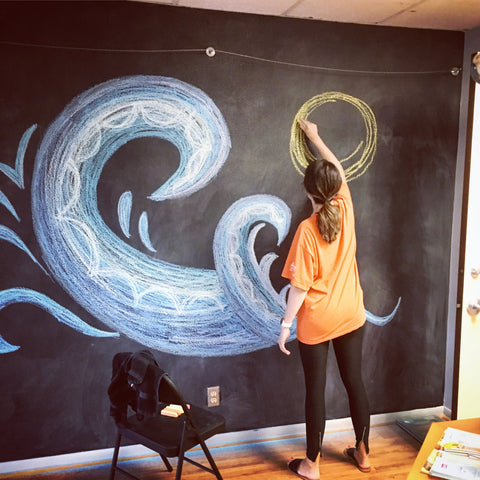 fitness-studio-chalk-wall