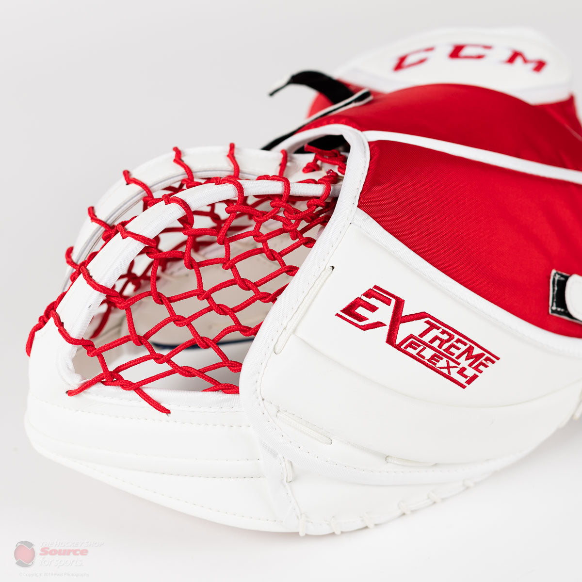 CCM Extreme Flex 4 Trapper and Blocker