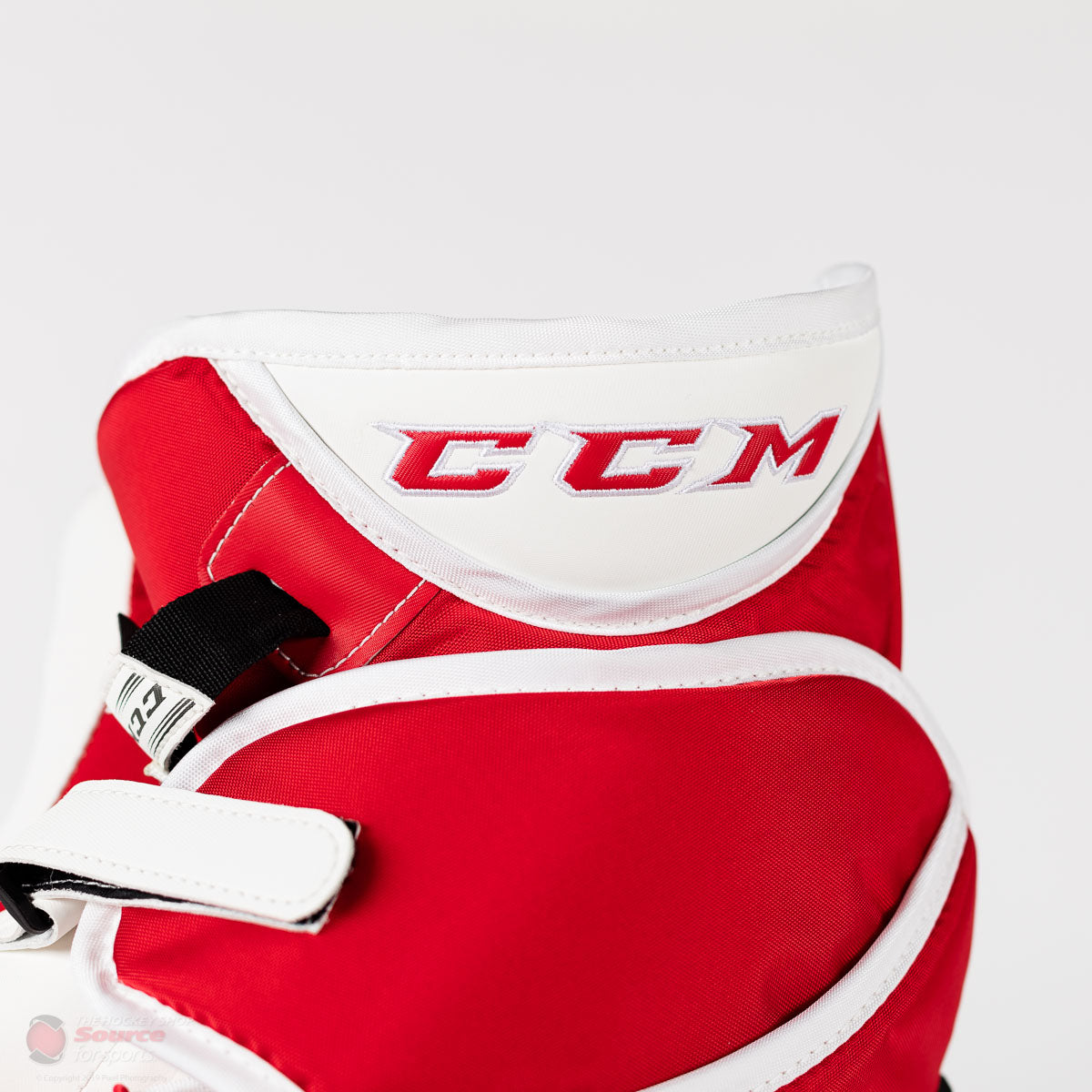 CCM Extreme Flex IV Trapper and Blocker
